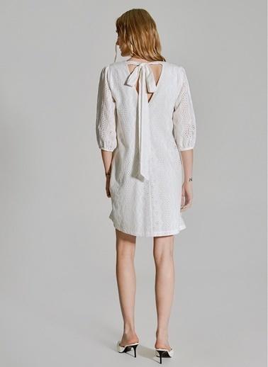 People By Fabrika Sırtı Bağlamalı Elbise Beyaz